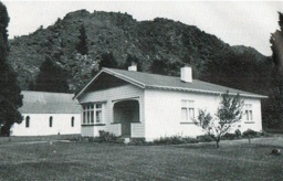 Second Arrowtown Manse photographed in 1989